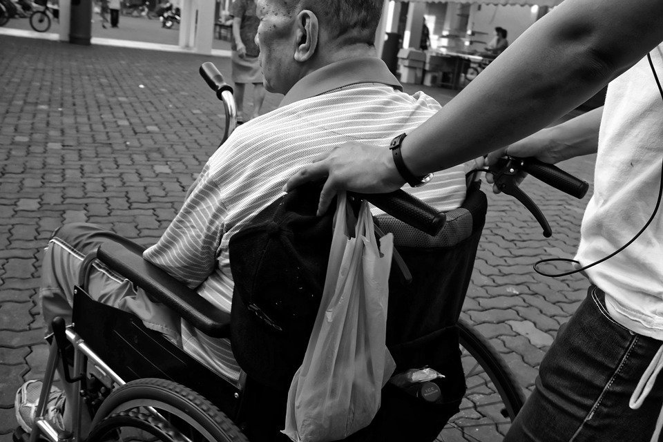 Reversibilità badanti, no ai tagli pensioni