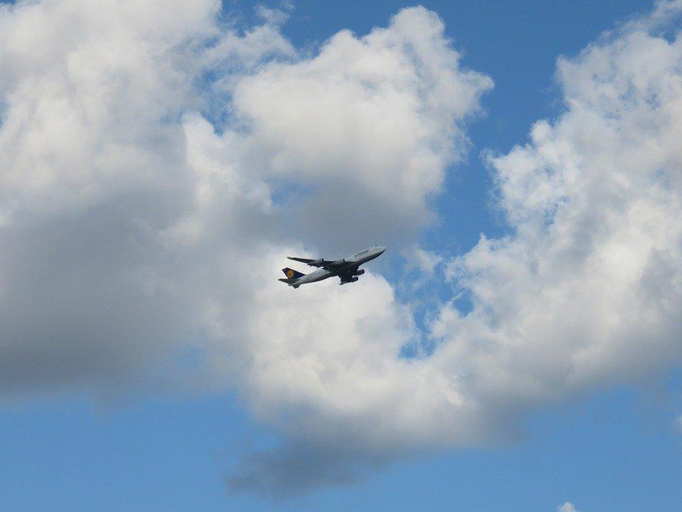 Sciopero Alitalia, aerei fermi domani: ecco le fasce garantite