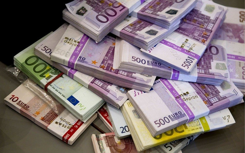 Divario ricchi e poveri: non tutti riescono ad ottenere ricchezza
